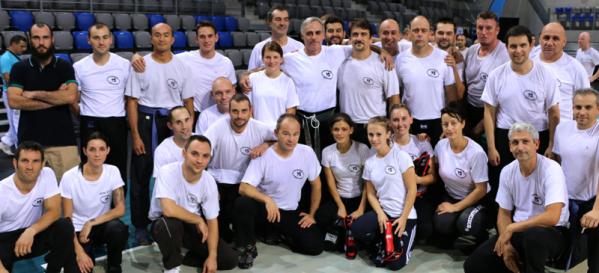Richard Douieb avec les membres du Club KMSP TOULON